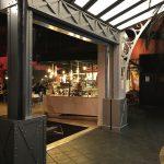 Réalisation et aménagement d'un restaurant dans un bowling par Planète bois